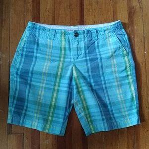 Old Navy plaid 10 in Bermuda shorts
